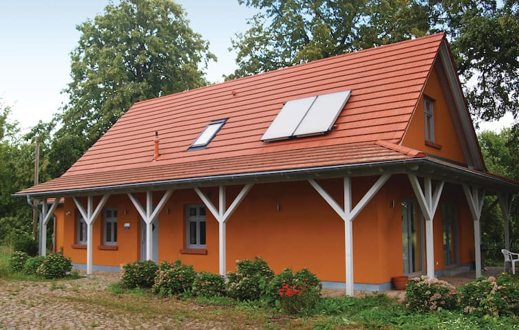 Holiday cottage with 3 bedrooms on 170 m² in Karwesee