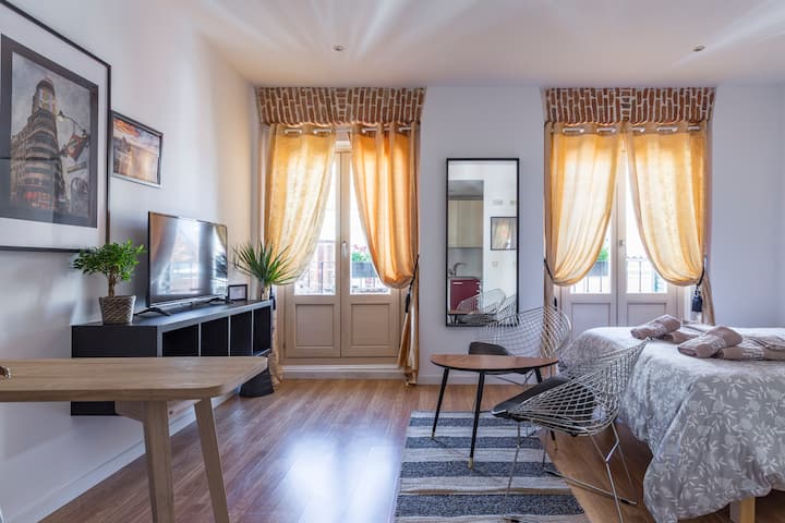 Apartamento centro doble balcon independiente 4B