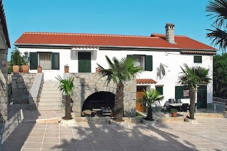 House Nikolina - Krk