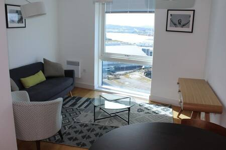 Stunning 1 Bed Apartment Overlooking The Marina - Saint Mary's Island