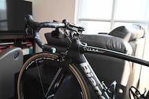 Bianchi XR1, attached to indoor trainer and Apple TV