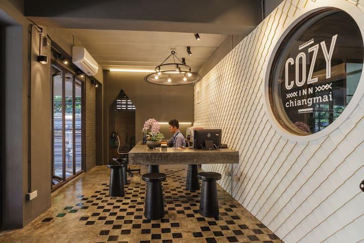 1. Cozy Inn Chiangmai (No breakfast)
