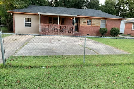 Beautifully remodeled 2100 square feet home!