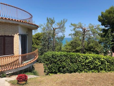 A round villa by the sea
