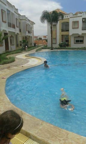 Appartement avec piscine et garage. - Sidi Bouzid - Apartment