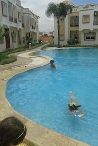 Appartement avec piscine et garage. - Sidi Bouzid - Lejlighed