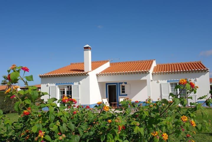 Cozy holidayhouse near to the coast and beaches