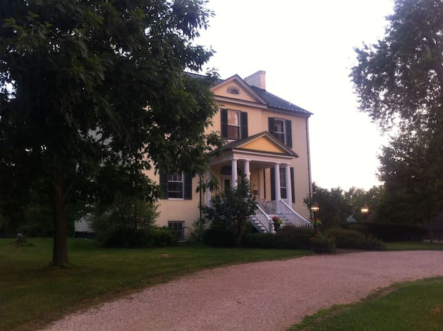 Charming Historic Home- 1hr from DC - Sharpsburg - Ház