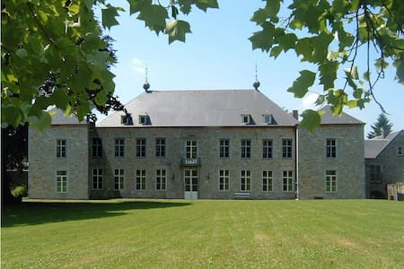 Chateau Alois - Ciney - Slott