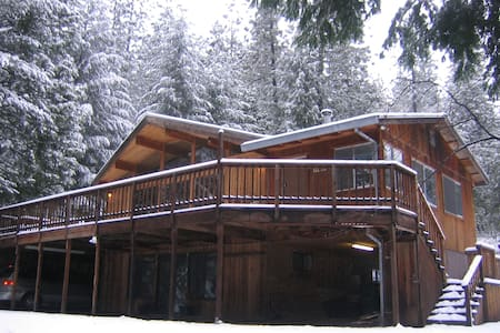 Luxury Cedar Cabin on 5 Acres! - Pollock Pines - Blockhütte