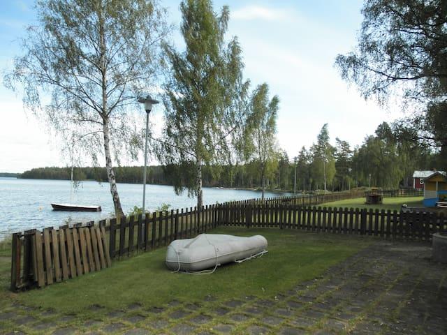 Super vakantiehuis direct aan water - Fröseke - Huis