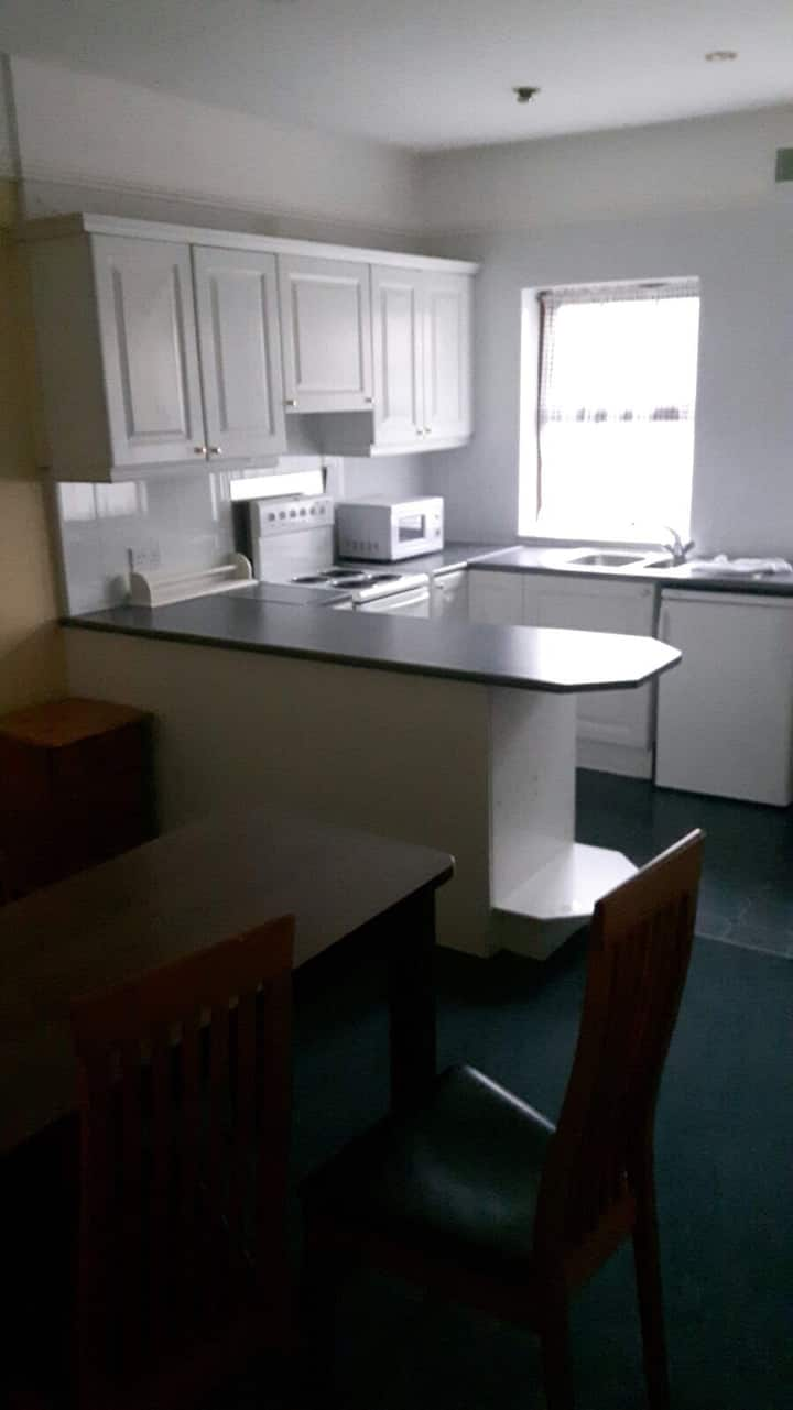 No7 - 6 bedroom house sleeps 22  (city centre)