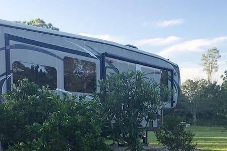 Luxury RV at Paradise Ranch