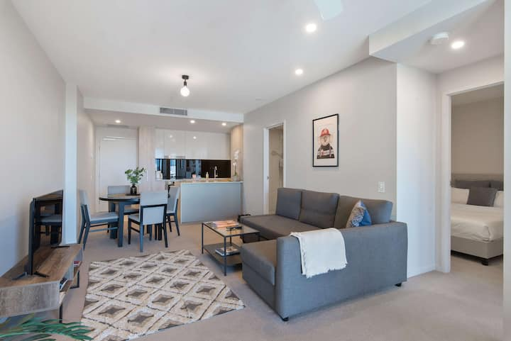 2Bedroom 2Bathroom Riverview on Queen St, CBD