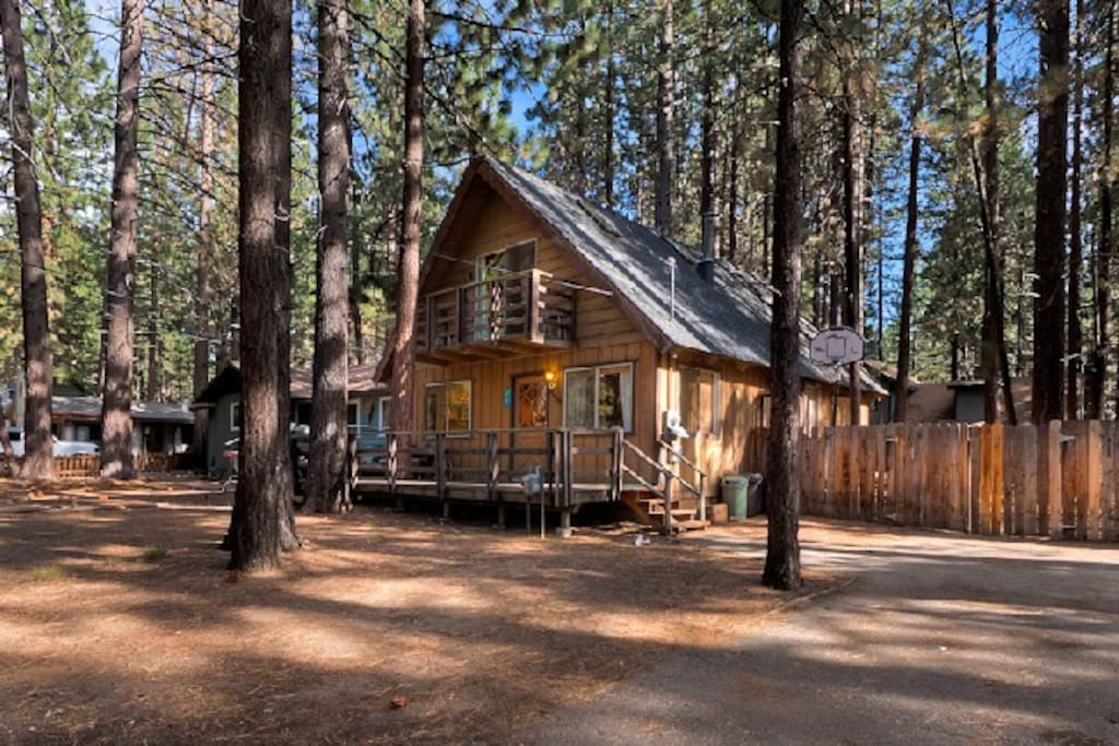 Cozy cabin 5mins to heavenly casino cabins for rent in for Rent a cabin in lake tahoe ca
