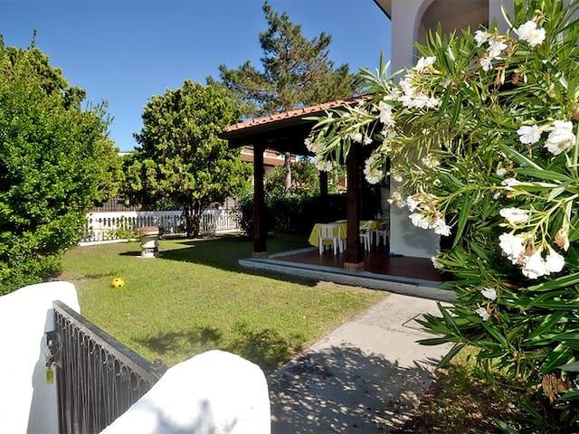 Villetta angolare con giardino - Lido delle Nazioni - House