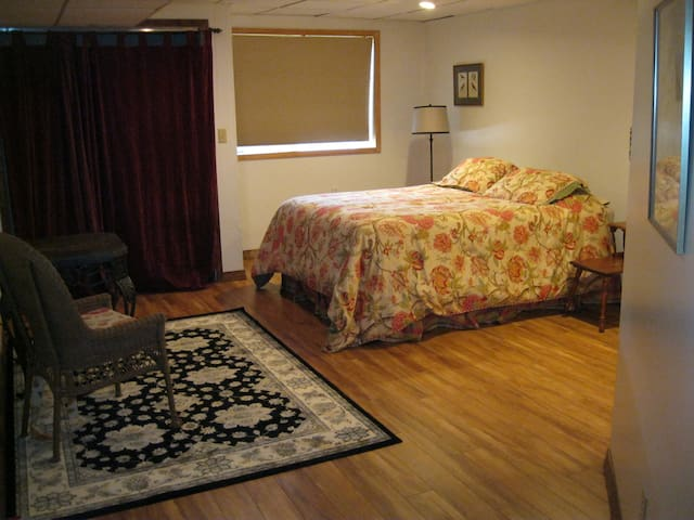 Private suite in vacation home-Montana at its best - Missoula - Bed & Breakfast