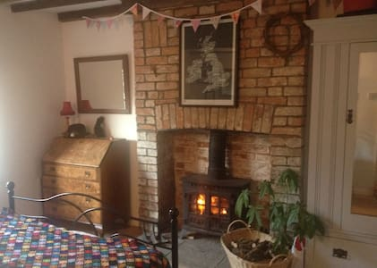 Cosy room w wood burner +bike store - North Curry - 단독주택