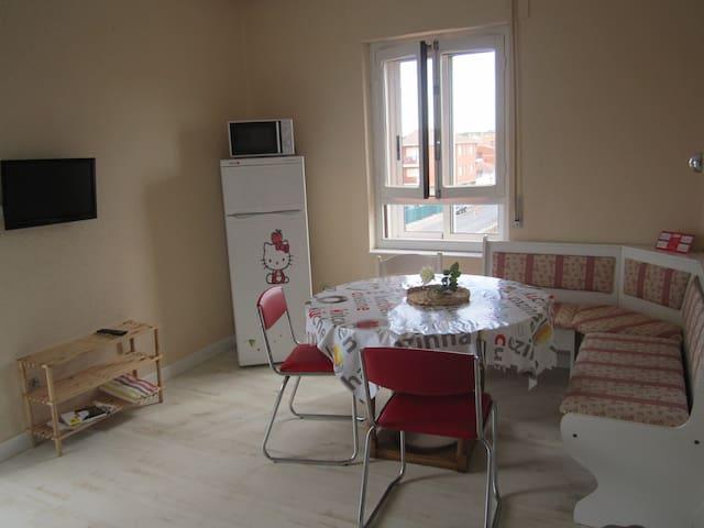 Piso en Villamañán, muy luminoso - Villamañán - Appartement