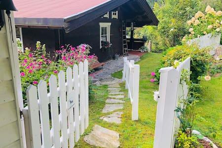 Bear Creek Cottage