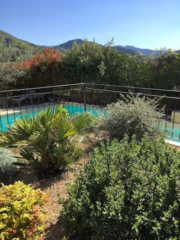 Villa avec piscine Drôme provençale prox. Nyons