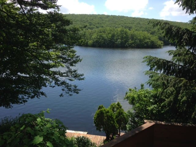Lake Front Hideaway - West Milford - House