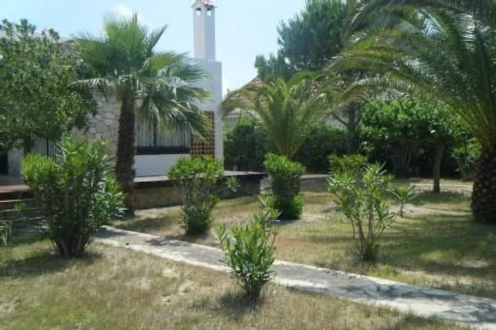 Villa tipica de 180m2 con Jardin