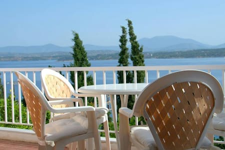 Spetses  two floor family house - Λιγονέρι