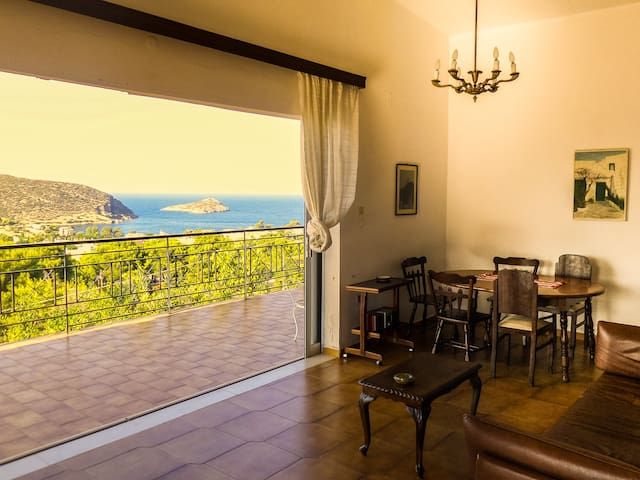 Quiet, cosy house with an amazing view - Porto Rafti - Talo