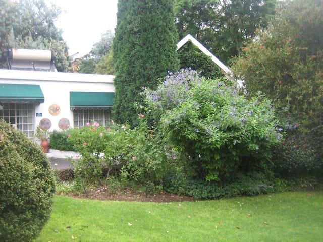 Rutland/Hyde Park 2 bedrom Self Catering Cottage