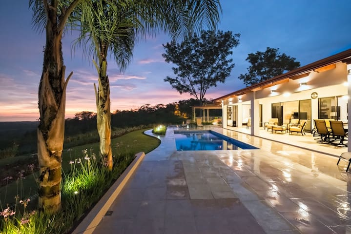 Villa Paraiso -Luxury Retreat - Puntarenas Province - Rumah