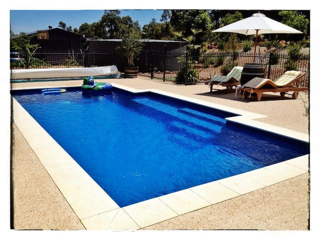 House on 1 acre bush, Perth hills  - Bedfordale - House