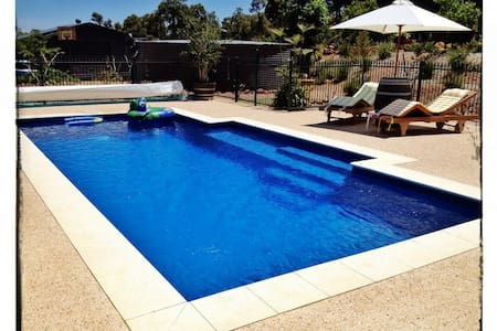 House on 1 acre bush, Perth hills  - Bedfordale - Huis
