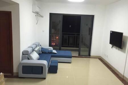 通风采光极好的二居室 - 海南省