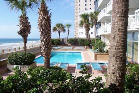 Spectacular  oceanfront condo - Garden City