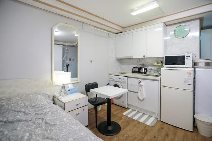 Clean & Wide Private Studio nearby Korea Univ! :)