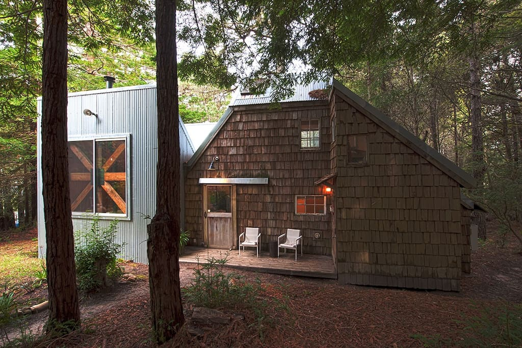 Guest house in young redwood forest guesthouses for rent for Airbnb cabins california
