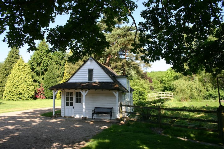 Gamekeepers Cottage, Sissinghurst - Ashford - House