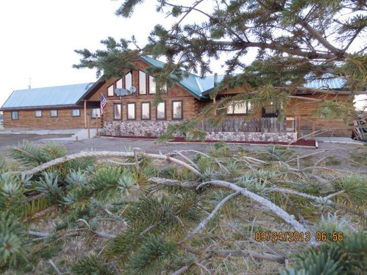 Valley Haven Lodge Entire Lodge
