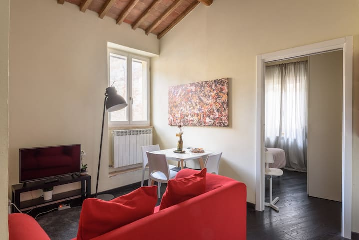 WelcHome in Italy: Selva Loft Torre del Mangia