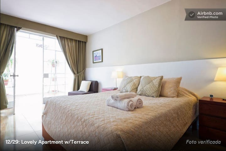 Cozy Apt. w/terrace in Miraflores