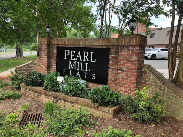 Welcome to Pearl Mill Flats!
