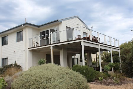 Shoreshack - 4BD 2-storey beachouse - Port Elliot