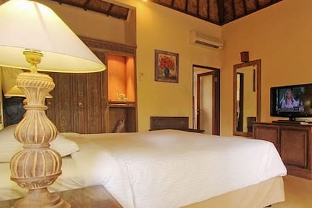 Cozy Balinese Boutique with Large Pool in Sanur - Denpasar