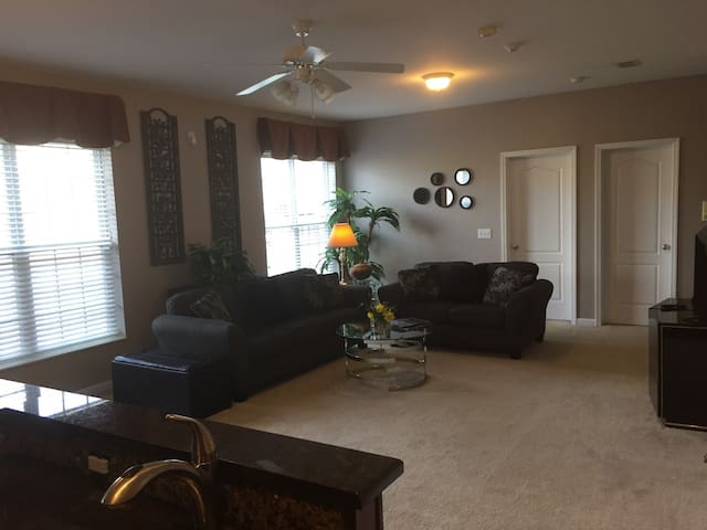 Brand New High End 1 Bedroom Apt. - Goodlettsville - Leilighet