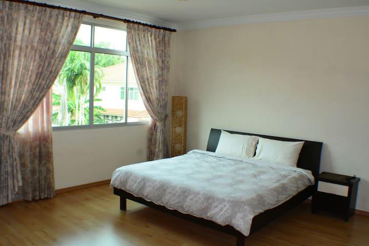 Spacious Room w/ King Sized bed - Bandar Seri Begawan - Ev