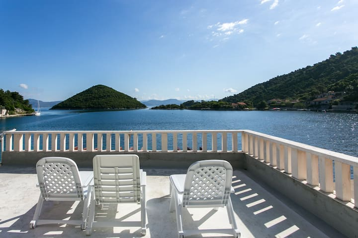 Lovely holiday home on Mljet! :) - Prožurska Luka - Talo