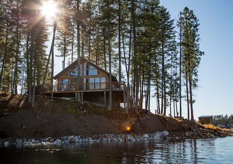 Waterfront Island Cabin with Pontoon Boat