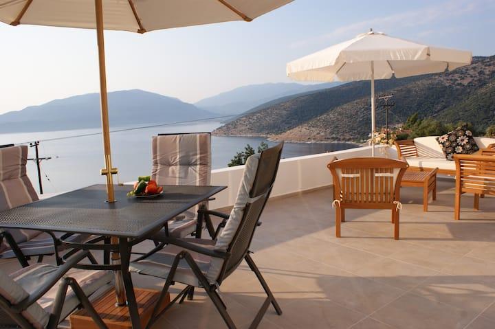 Villa with private pool & seaview - near village