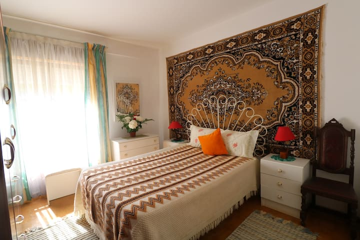 Romantic and quiet room in the city